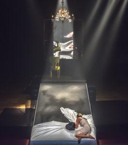"""Verrà rappresentato venerdì 22 marzo, alle 20.45, al Teatro Centrale di Carbonia, lo spettacolo """"Tra il dire e il fare/la luna nel letto – Else""""."""