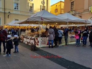 """Dall'8 al 10 marzo, si è tenuta ad Iglesias, in piazza Municipio, la prima edizione di """"Chocomoments"""", la grande festa del cioccolato artigianale."""