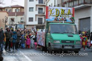 Divieto di somministrazione e vendita di alcolici e altre bevande in bottiglie di vetro e lattine per la sfilata di carnevale di Iglesias in programma sabato 9 marzo.