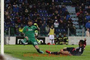 Un Cagliari in versione dottor Jekill, lo stesso che due settimane fa aveva piegato l'Inter, ha battuto questa sera la Fiorentina alla Sardegna Arena, con un secondo tempo straordinario.