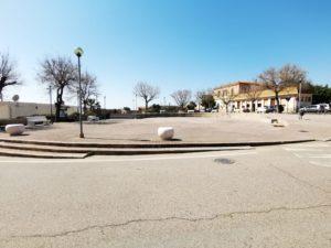 Sabato 23 marzo, nella frazione di Nebida, è iniziata l'installazione dei nuovi arredi urbani all'ingresso della frazione e nella Piazza Santa Barbara.