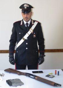 I carabinieri di Villacidro, Sanluri e Decimomannu hanno arrestato in flagranza un agricoltore 25enne di Decimoputzu per detenzione di arma clandestina, ricettazione e detenzione abusiva di munizionamento.