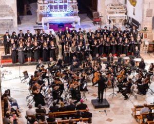 """Mysterium Crucis, per contemplare inSanto Volto"""" è il titolodel concerto di Pasqua che sarà eseguito dalla Corale """"LuigiCanepa""""venerdì 19 aprile, dalle 21,30, al Duomo di Sassari."""