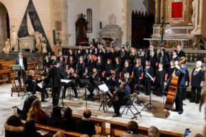 """Il Duomo di Sassari ha ospitato il concerto """"Mysterium Crucis – per contemplare il Santo Volto"""", organizzato dall'Associazione Corale """"Luigi Canepa""""."""
