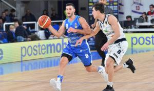La Dinamo Banco di Sardegna affronta alle 18.00 la Leonessa Brescia in un'altra sfida decisiva per la qualificazione ai playoff scudetto.