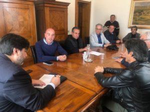 """Il presidente Solinas ha incontrato i sindacati sulla vertenza Sider Alloys ma sul polo industriale pende la """"spada di Damocle"""" della chiusura della Centrale Grazia Deledda nel 2025!"""