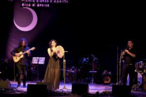 Manca pochissimo alla scadenza del bando del 15° Premio Bianca d'Aponte, il contest italiano per cantautrici.