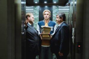 """""""L'uomo che comprò la Luna"""", il nuovo film di Paolo Zucca, sbarca nelle sale cinematografiche della penisola da giovedì 2 maggio."""