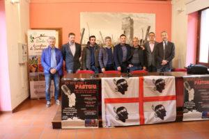 """La """"protesta del latte"""" sbarca in Piemonte. Gianuario Falchi e Mino Orritos ospiti dell'Associazione Cuncordu di Gattinara (VC)."""