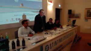 Ieri sera al Mut di Stintino, un convegno organizzato dall'amministrazione comunale per sensibilizzare al problema dell'inquinamento da plastica,