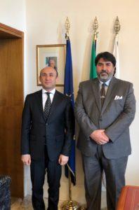 Il presidente della Regione, Christian Solinas ha incontrato stamane, nel corso di una visita istituzionale a Villa Devoto, l'ambasciatore dell'Azerbaigian Mammad Ahmadzada.