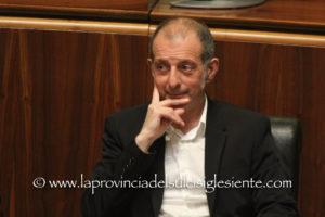 Andrea Biancareddu (assessore regionale della Pubblica istruzione): «Nessuna scuola esistente in Sardegna verrà chiusa. Non si chiude assolutamente nulla».