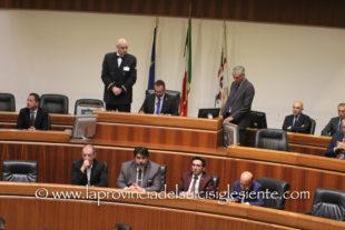 Il Consiglio regionale ha proseguito l'esame della riforma sanitaria ed approvato un odg sulla possibile apertura delle discoteche