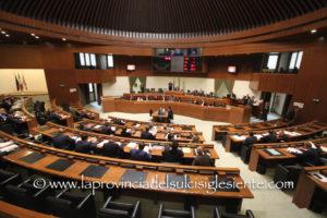 Il Consiglio regionale ha approvato la mozione sugli adempimenti conseguenti all'ordinanza della Corte di Cassazione sulla richiesta di referendum abrogativi ed il bilancio consolidato.