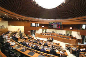 Il Consiglio regionale ha iniziato stamane l'esame del disegno di legge sulla quarta variazione di bilancio.