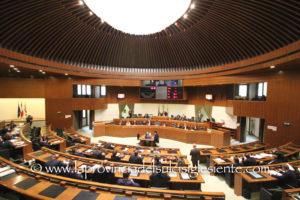 Dopo il giuramento dei sette neo assessori, in Consiglio regionale si è svolto il dibattito sulle dichiarazioni programmatiche del presidente della Giunta Christian Solinas.