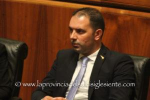 """Giorgio Todde (assessore dei Trasporti): «Abbiamo posto rimedio ad una grave """"svista"""" della precedente Giunta»."""
