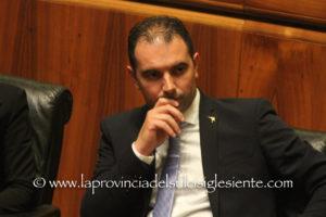 L'assessore regionale dei Trasporti, Giorgio Todde, smentisce la notizia sul taglio degli sconti agli studenti per i trasporti pubblici.