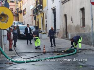 Nei giorni scorsi, a Iglesias, è stata ripristinata la rete fognaria nella zona di via Baudi di Vesme (angolo via Sassari).