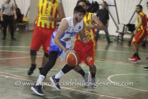 Nei playoff promozione della serie D maschile di basket, la Sulcispes va alla bella con la Dinamo (sabato 4 maggio, a Sassari, alle 16.00), la Scuola Basket Miners Carbonia è stata eliminata in due partite dal Basket Uri.