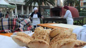 """Con la Cavalcata Sarda arriva a Sassari """"Pani ed Eccellenze di Sardegna"""", evento attesissimo della tradizione enogastronomica."""
