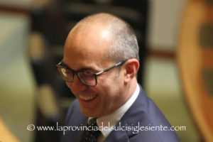 Paolo Truzzu,46 anni, laureato in Scienze Politiche, consigliere regionale del Gruppo Fratelli d'Italia, è il nuovo sindaco di Cagliari.