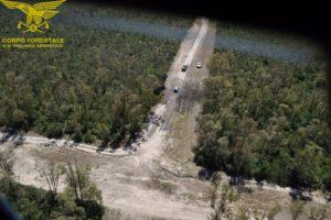 Ieri due incendi hanno richiesto l'intervento dei mezzi aerei del Servizio regionale coordinati dal Corpo forestale.