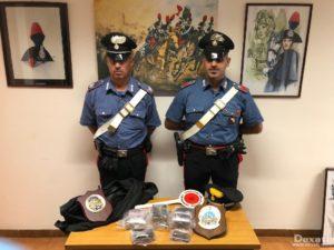 I carabinieri del NORM di Quartu Sant'Elena hanno arrestato un giovane trovato con 3,2 kg di hashish nella sua abitazione.