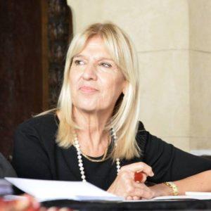 """Sabato 8 giugno, a Cagliari, verrà presentato """"Memorie di un anello"""", il nuovo libro di Ada Lai, edito da Palabanda Edizioni."""