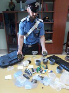I carabinieri di Assemini hanno arrestato in flagranza di reato per detenzione illecita di sostanze stupefacenti un 28enne residente ad Assemini.