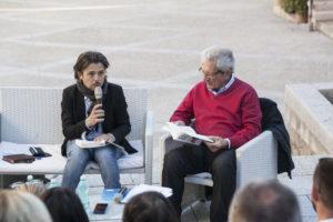 """Il nuovo romanzo di Flavio Soriga è stato presentato giovedì a Santa Teresa Gallura, nell'ambito della rassegna """"I monumenti incontrano la lettura""""."""