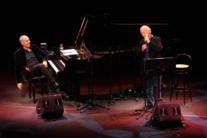 Sabato sera, ad Alghero, Gino Paoli e Danilo Rea in concerto, alle Tenute Sella & Mosca, penultimo appuntamento della rassegna JazzAlguer.