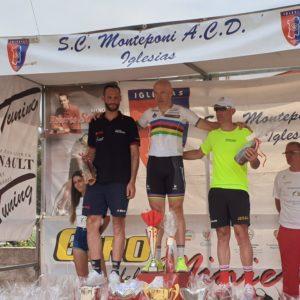 Il campione del mondo paralimpico Michele Pittacolo ha vinto, a Pabillonis, l'ultima tappa del Giro delle Miniere. Cesaro, Capuccilli, Freschi e Gorini hanno difeso le maglie rossoblù.