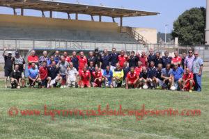 """Le vecchie glorie del Carbonia hanno vinto il Memorial """"Toto Cesaracciu"""", superando le vecchie glorie del Guspini con il punteggio di 3 a 2."""