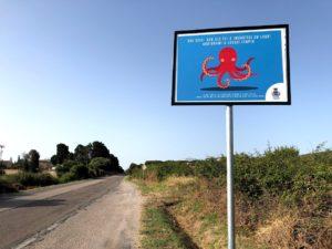 Nuova iniziativa del comune di Sant'Antioco con la sistemazione di 8 cartelli stradali nell'ambito del programma di educazione ambientale.