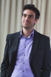 Giovedì 20 giugno, a Cagliari, per la rassegna 5×88, arriva il pianista Marco Sanna.