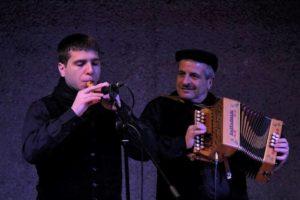 Domenica, a Cagliari, cala il sipario su aCòa, con i polistrumentisti Orlando ed Eliseo Mascia.