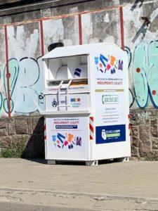 Carbonia amplia il servizio di raccolta differenziata dei rifiuti con 20 raccoglitori per indumenti usati.