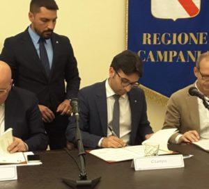Gianni Lampis (assessore dell'Ambiente): «La Regione Sardegna partecipa con spirito di adesione nazionale al gemellaggio con la Regione Campania e i Comuni di Napoli e Pompei.»