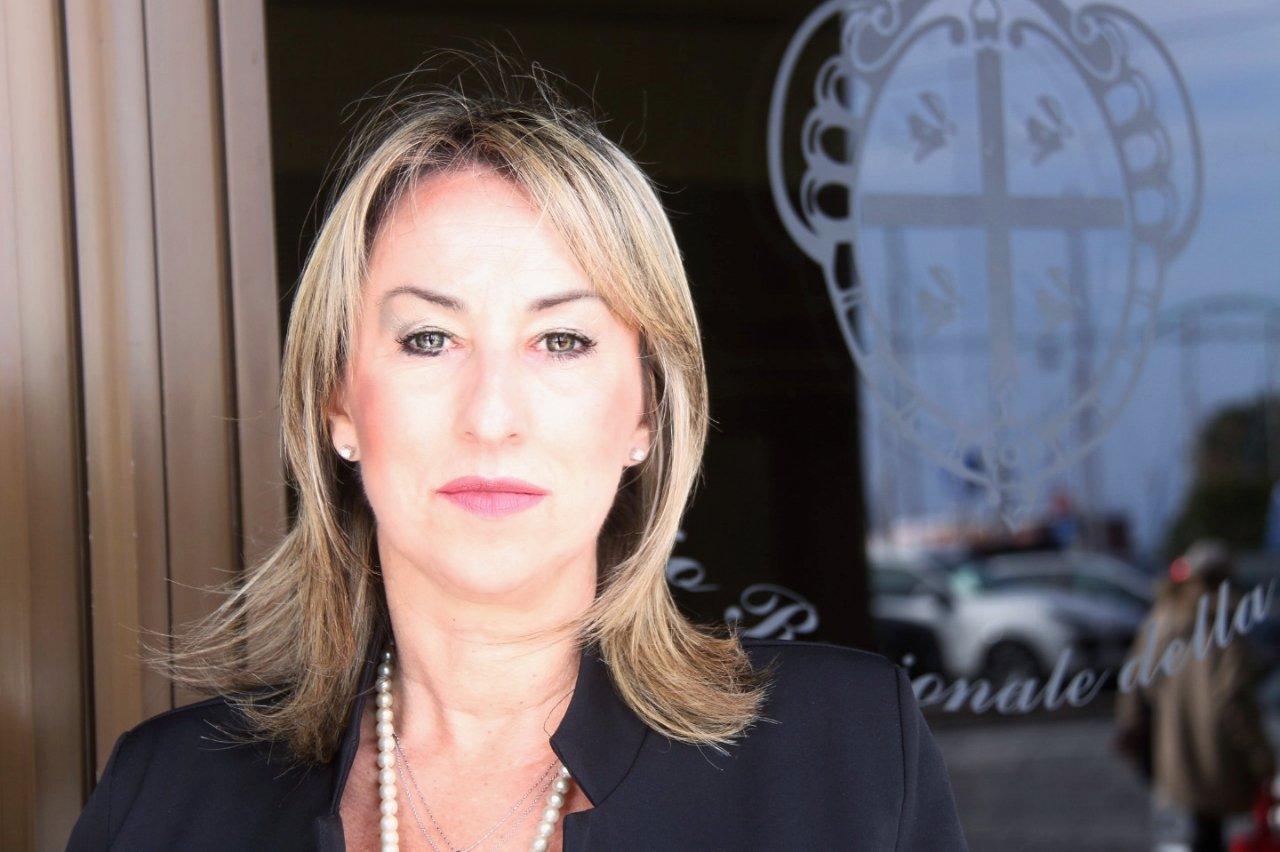 """Carla Cuccu (M5S): """"Quale futuro per l'ospedale di Isili?""""."""