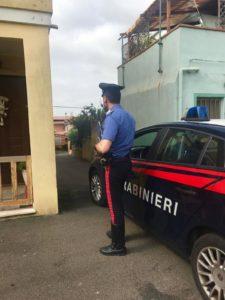 Un operaio 44enne di Carbonia è stato arrestato per furto all'interno di un'abitazione di via Coghinas.