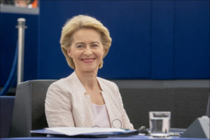 Il Parlamento europeo, a scrutinio segreto, ha eletto Ursula von der Leyen nuovo presidente della Commissione, con 383 voti.