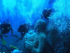 Questa mattina, alle 11.00, si è svolta la celebrazione in onore della Madonna del naufrago nei fondali dell'isola dei Cavoli, di fronte a Villasimius.