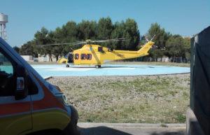 Ecmo mobile, missione salvavita a Carbonia. L'equipe dell'Aou di Sassari domenica è stata trasportata all'ospedale Sirai in 35 minuti dal mezzo dell'elisoccorso Areus.