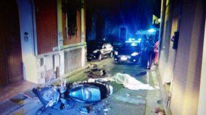 Tragica fine, la notte scorsa, per due persone che, per diversi motivi e in luoghi diversi, fuggivano dai carabinieri.
