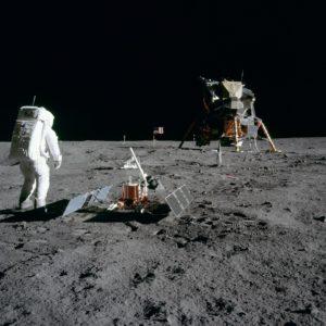 """Martedì e sabato, a Siligo, tutti """"Alla conquista della luna""""."""
