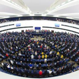 Domani il Parlamento europeo terrà una sessione plenaria straordinaria a Bruxelles sul Covid-19