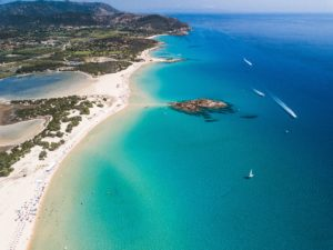 La Top 10 delle spiagge più popolari d'Italia secondo Holidu.