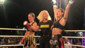 La sassarese Jessica Meloni ha fatto suo anche il ring del The Night of Super Fight 7 che a Iglesias ha richiamato il pubblico delle grandi occasioni.