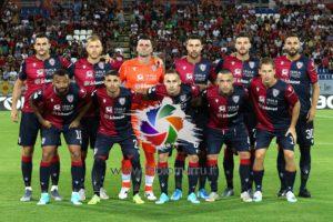 Una doppietta di Luca Ceppitelli ed il primo goal del nuovo centravanti Giovanni Simeone, hanno dato al Cagliari la prima vittoria stagionale sul difficile campo del Tardini di Parma.